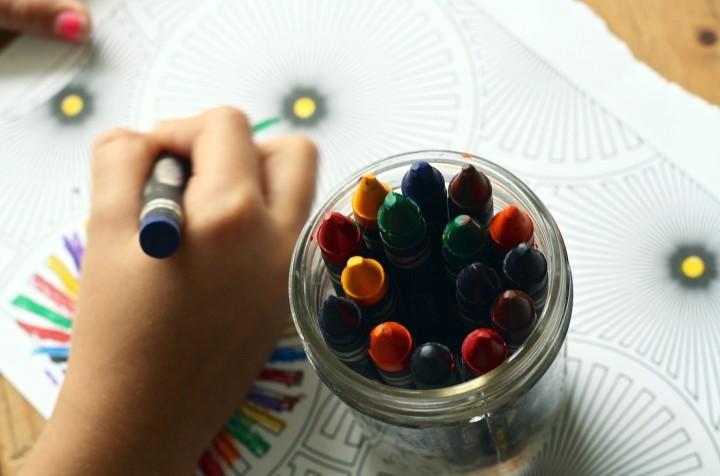 crayons-1445053_1920-_1_